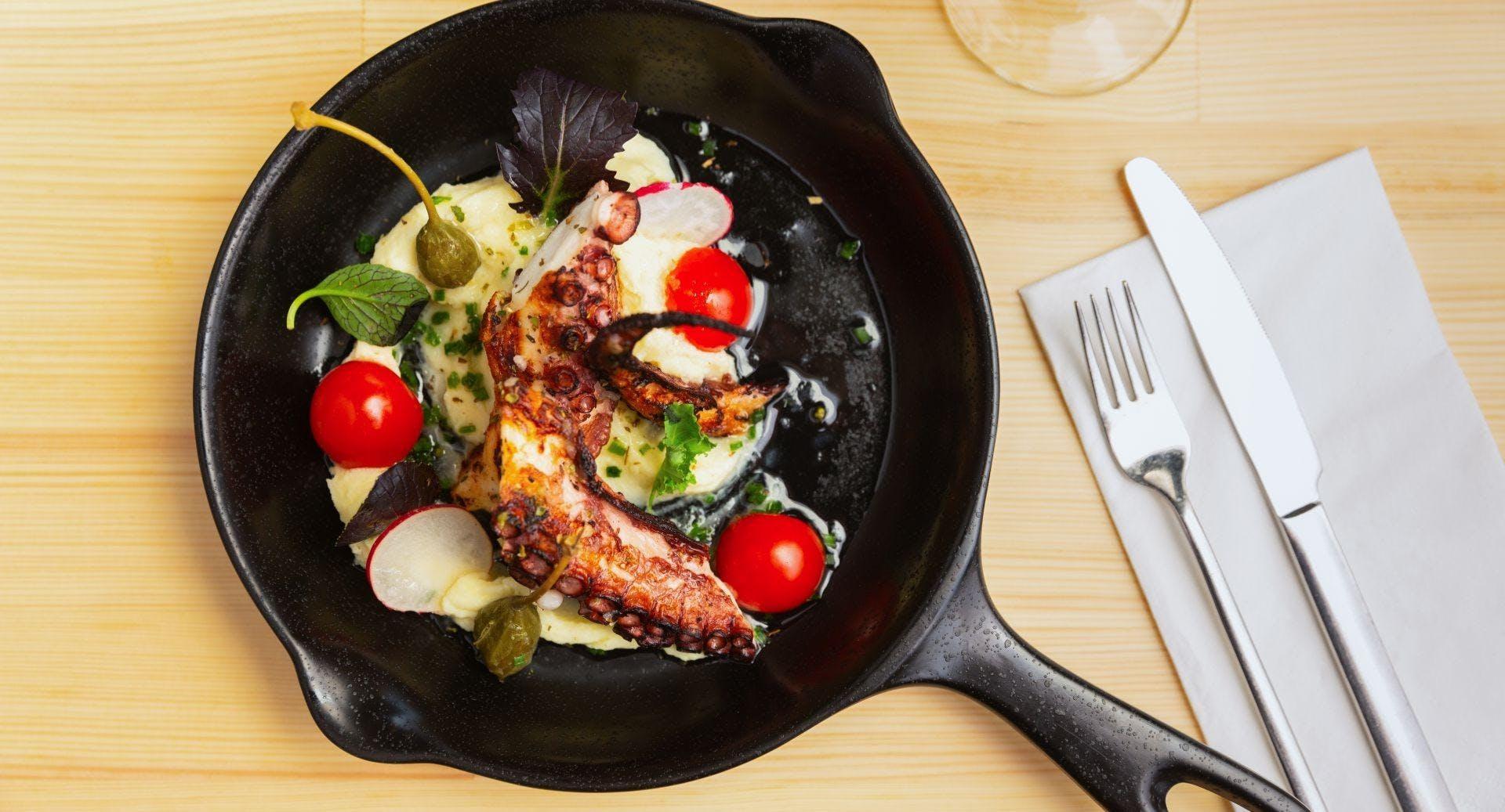 Kouzina Greek Streetfood and Wine