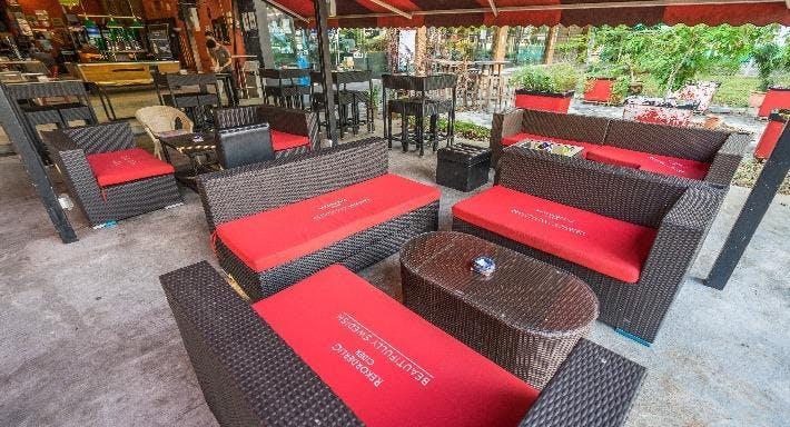 Grapevine Cafe Bar & Restaurant Singapore image 5