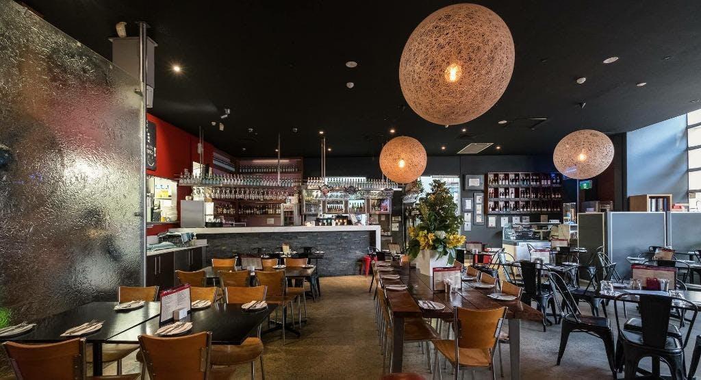 Raffaels Cafe, Bar & Grill