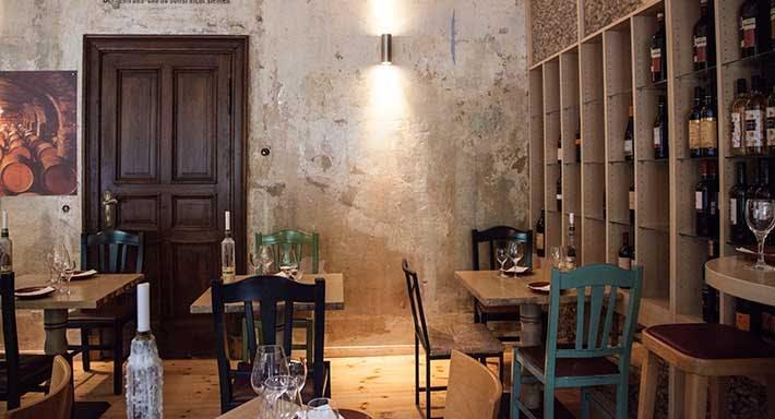Vino y Mar Tapas Bar Berlin image 1