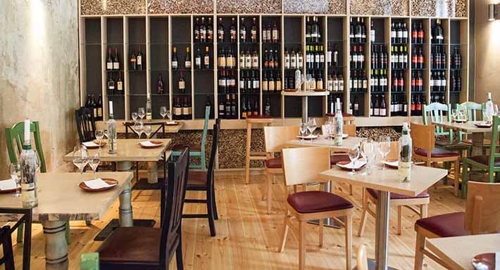 Vino y Mar Tapas Bar Berlin image 2