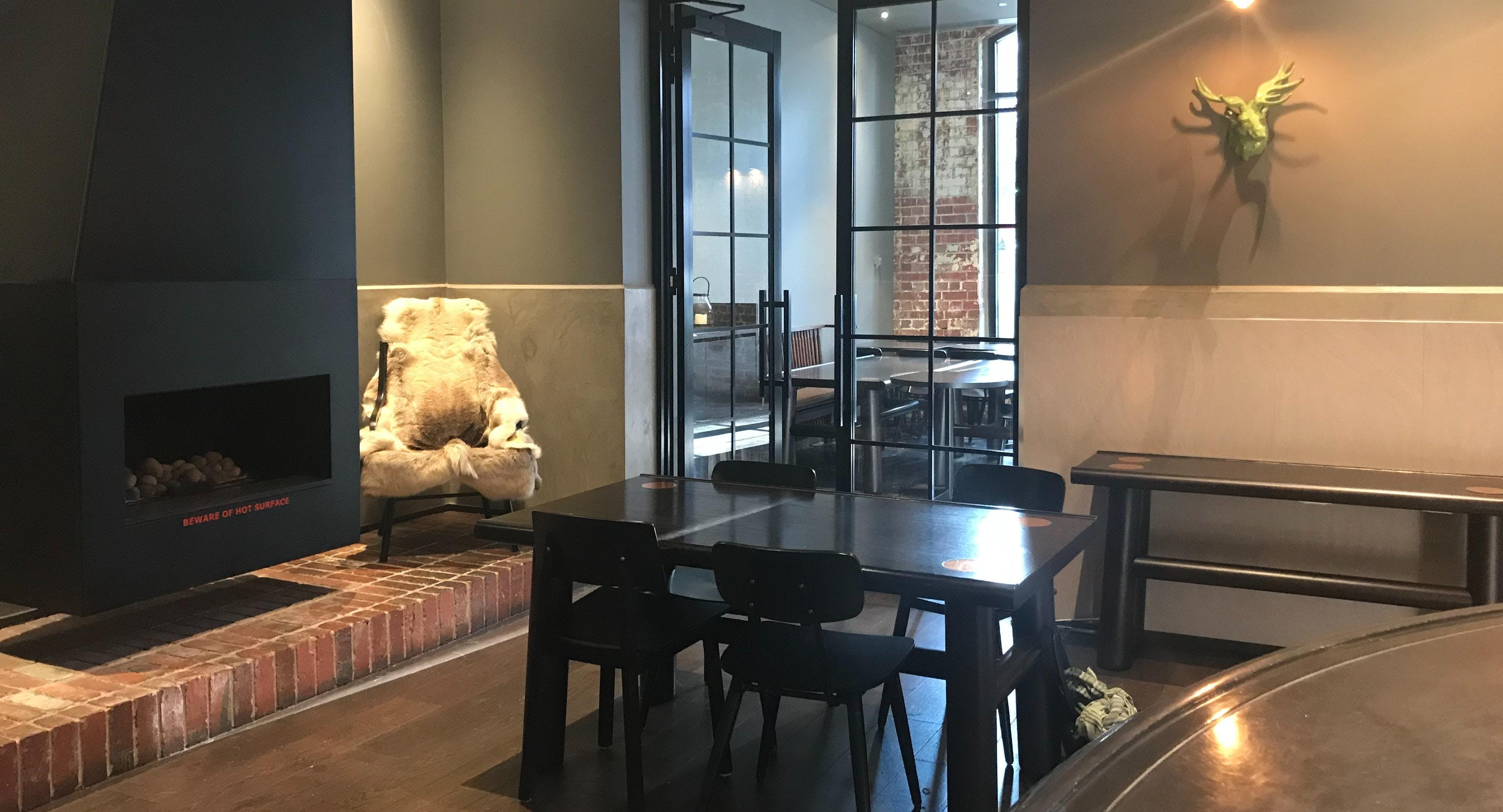 Dee Casa Restaurant & Bar
