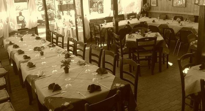 Trattoria Voglia di Pizza Napoli image 3