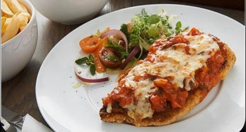 Versachi Pizza + Wine Bar