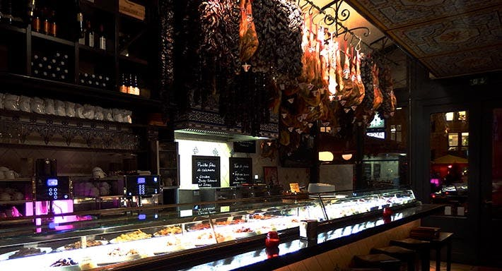 Escados - Hakescher Markt Berlin image 4