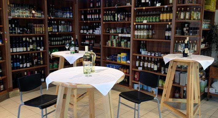 Griechische Internationale Delikatessen Wien image 2