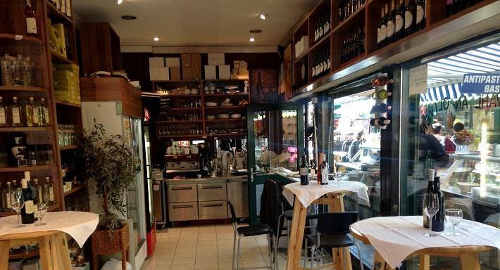 Griechische Internationale Delikatessen Wien image 3