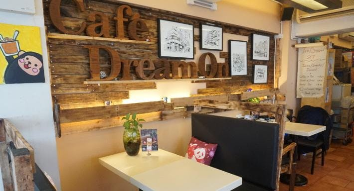 Cafe Dream On
