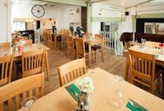 Restaurant King William IV in Mangrove Green, Luton