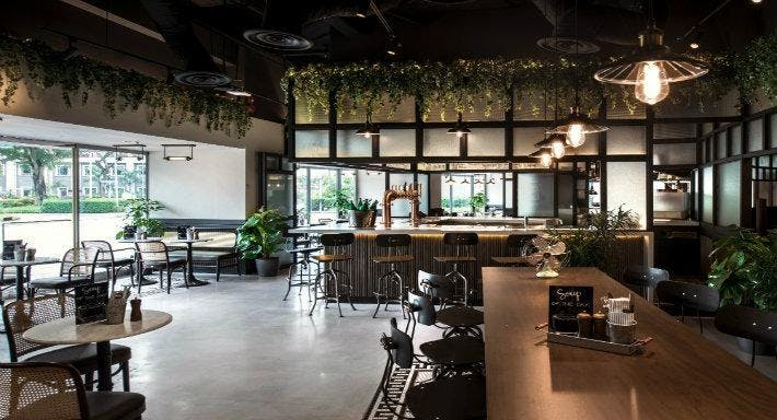 The Stamford Brasserie Singapore image 3