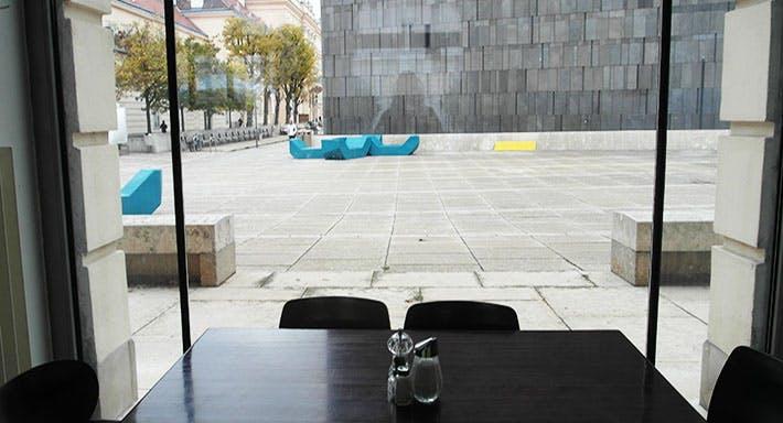 Corbaci Wien image 3