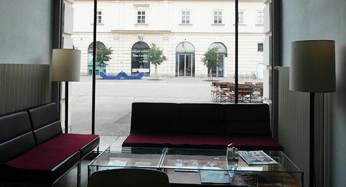 Corbaci Wien image 2