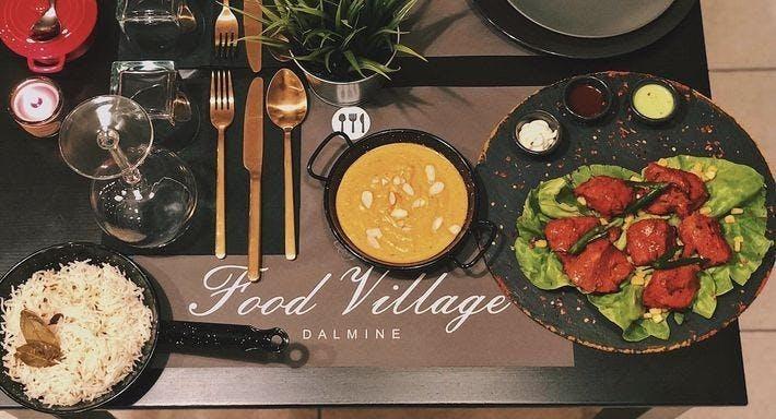 Food Village Indian restaurant Dalmine image 1