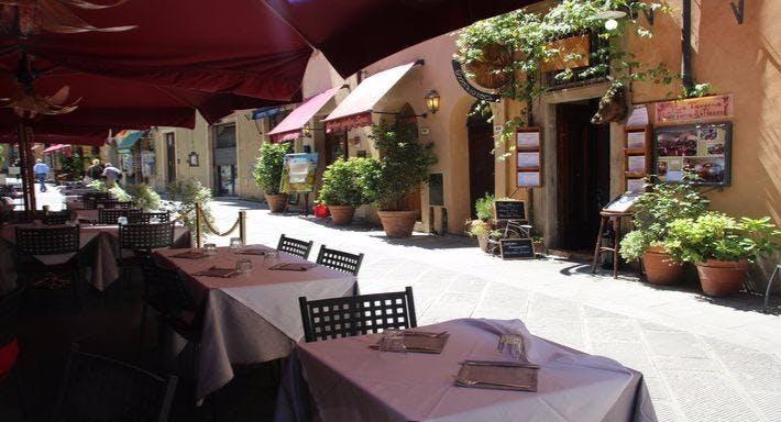 La taverna della terra di mezzo Volterra image 3