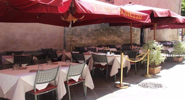 La taverna della terra di mezzo Volterra image 4