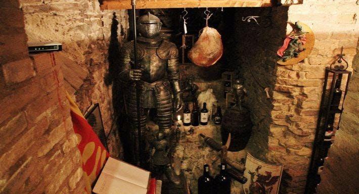 La taverna della terra di mezzo Volterra image 11