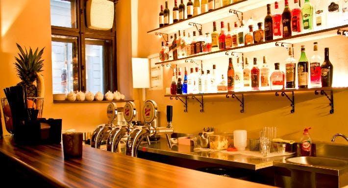 Papi's Cocktail Bar & Snacks