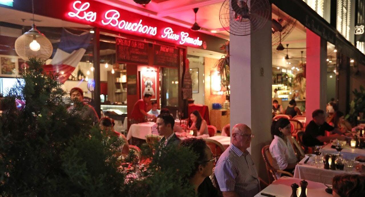 Les Bouchons - Robertson Quay Singapore image 2
