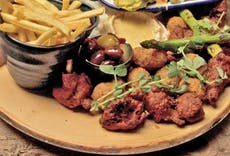 Restaurant Royal George Thornbury in Almondsbury, Bristol