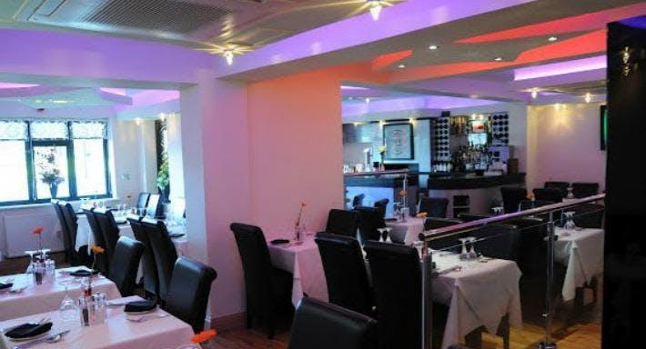 Wombourne Tandoori Restaurant Wolverhampton image 3
