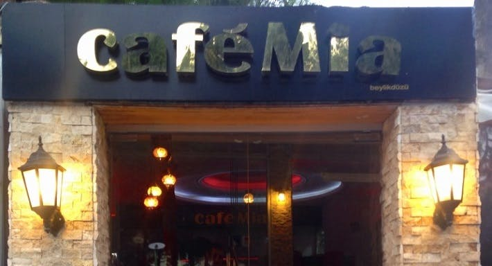 Mia Cafe & Restaurant