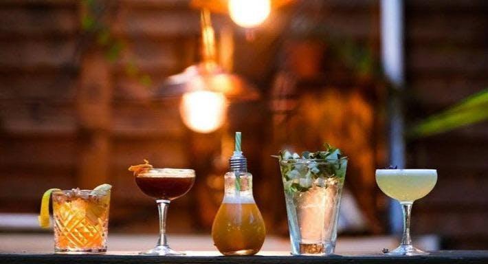 Kings Head Cocktail Bar & Courtyard