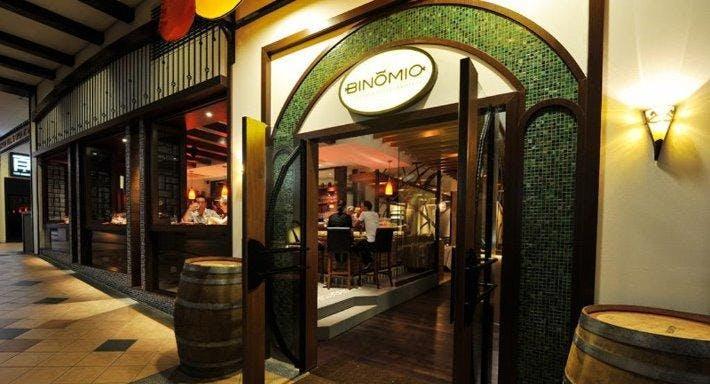 Binomio Singapore image 1