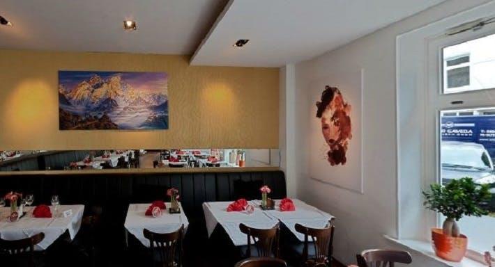 Restaurant Yak & Yeti Hamburg image 3