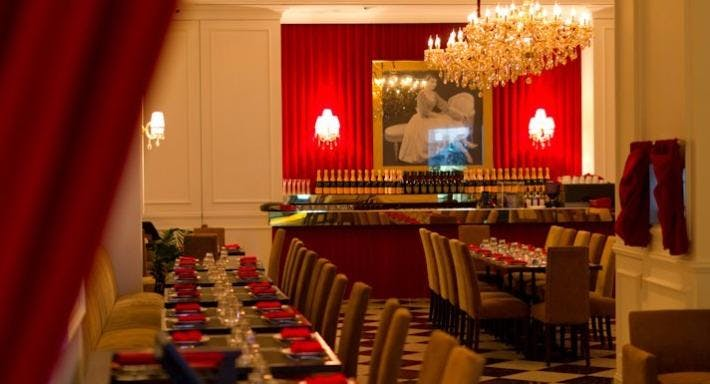 High Society Cafe & Restaurant