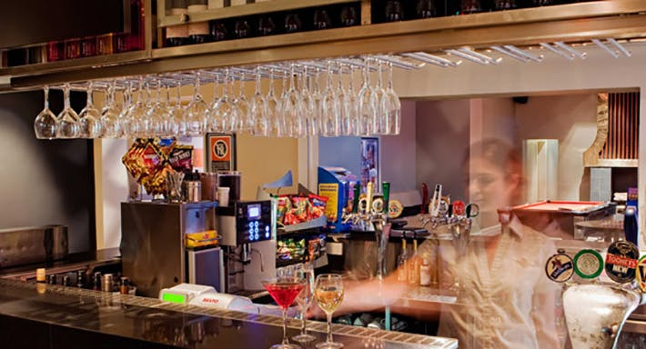 Silver Spoon Bistro - The Lakes Hotel Sydney image 3