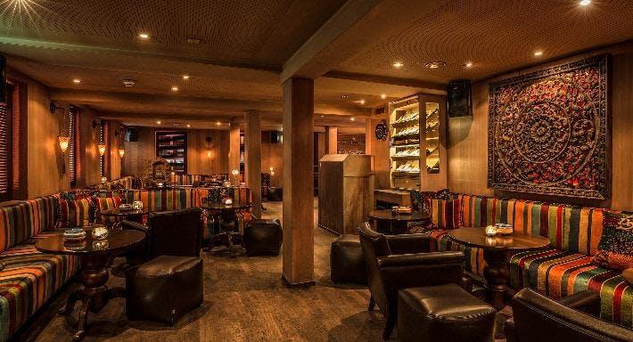 TAO'S  Bar & Club