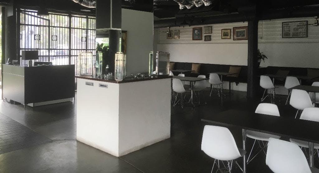 Ruggers Bar & Restaurant Brisbane image 1