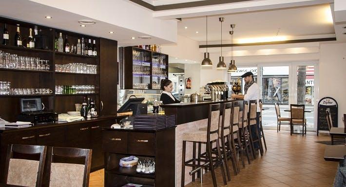 TAT Restaurant Lounge Bar