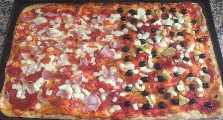 Pizza Regina Prato image 3
