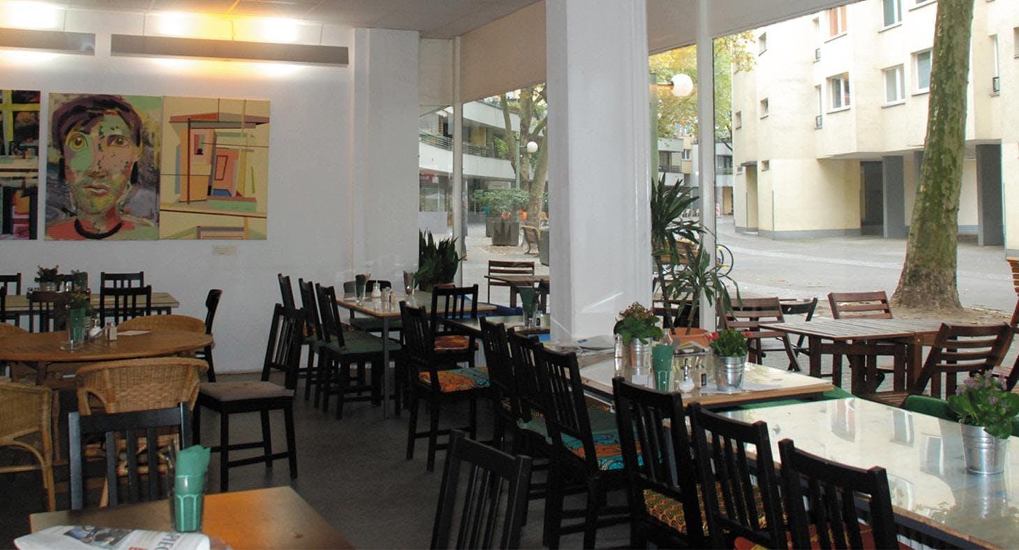 Café MadaMe