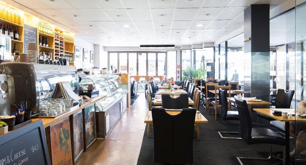 Zanetti Cafe Bar & Restaurant Melbourne image 1