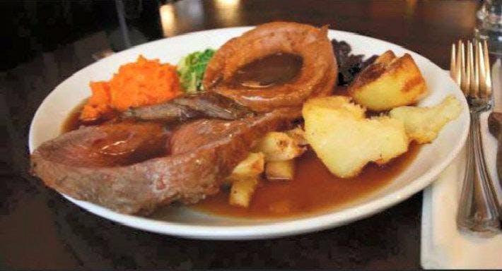 Retros Bar & Restaurant Dunfermline image 5