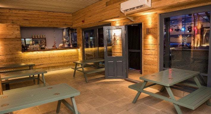 Porky's Ski Hutte Liverpool image 3