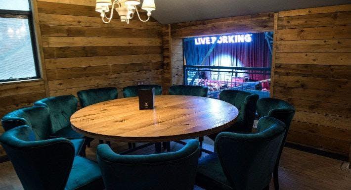 Porky's Ski Hutte Liverpool image 9
