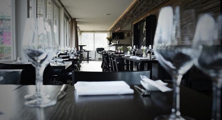 Sushi Lounge & Bar X