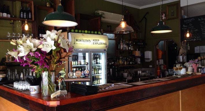 Shady Palms Cafe & Bar