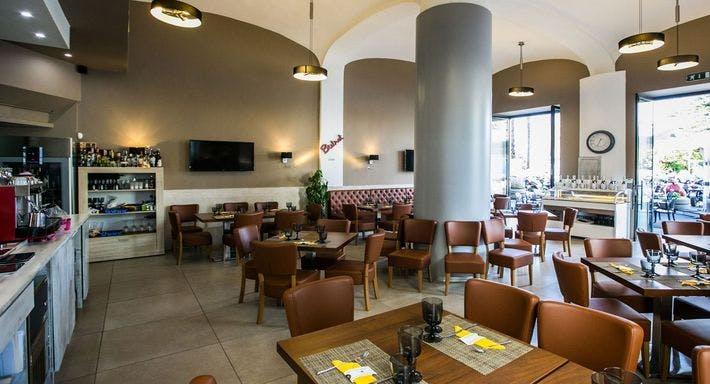 Victoria Pizza and Restaurant Napoli image 2
