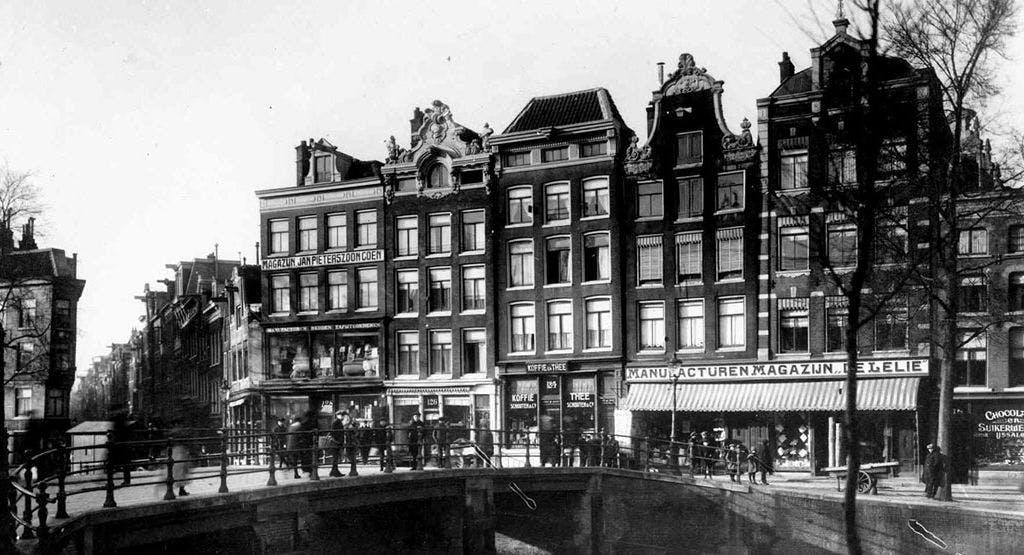Cafe de Prins Amsterdam image 1