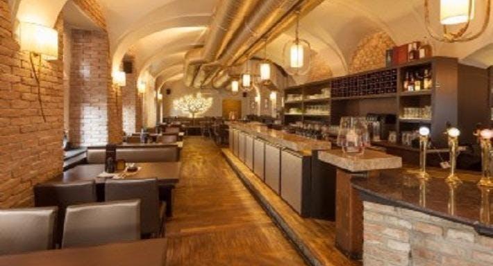 Restaurant To Ellinikon Vienna image 3