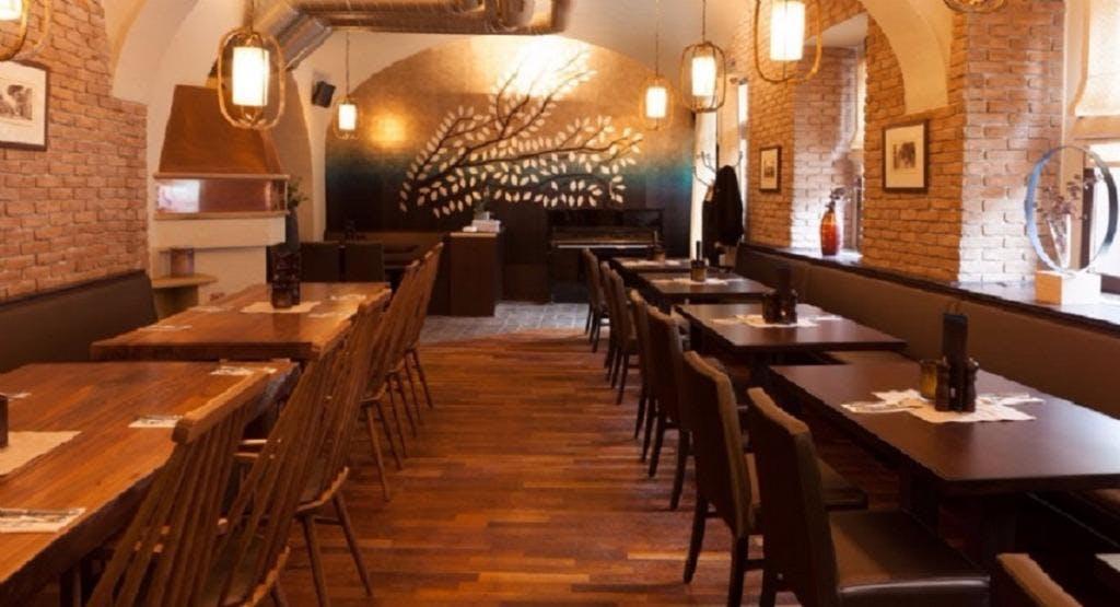 Restaurant To Ellinikon