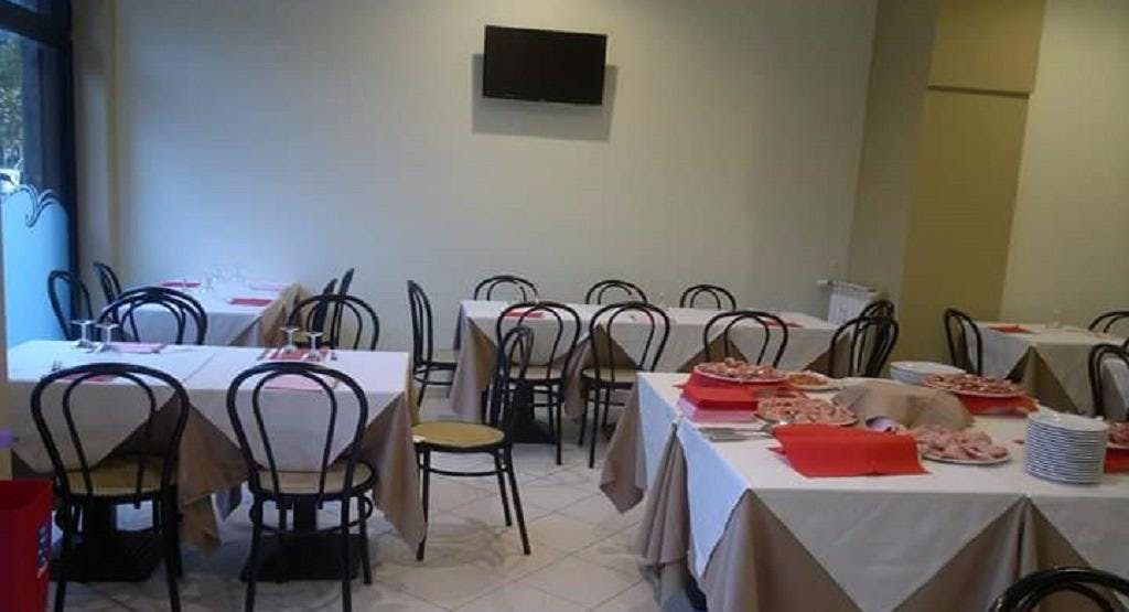 Trattoria Pizzeria La Carrozza Milan image 1