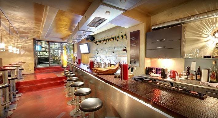 Bar Omar Wien image 1