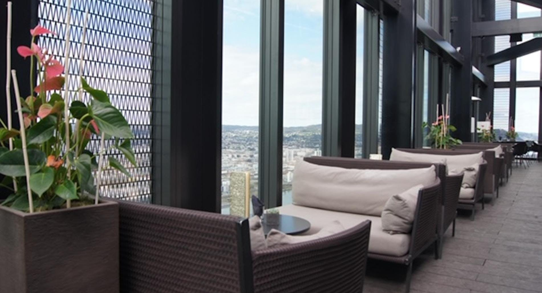 57 Lounge