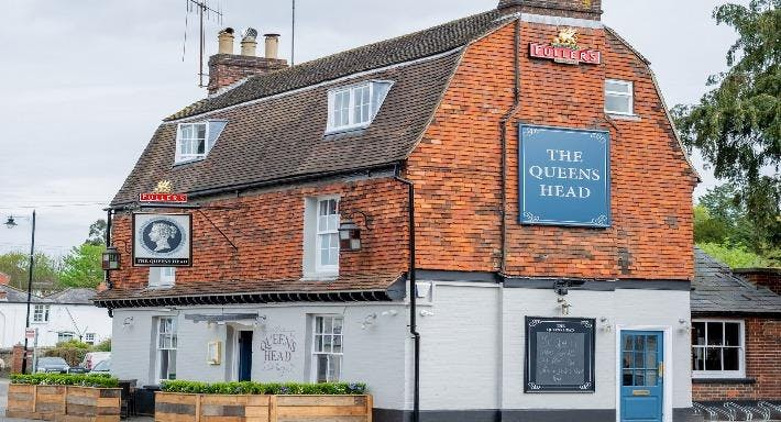 The Queens Head Dorking image 1