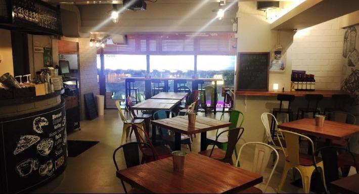 Chiba L Cafe & Restaurant 吃吧 Hong Kong image 6